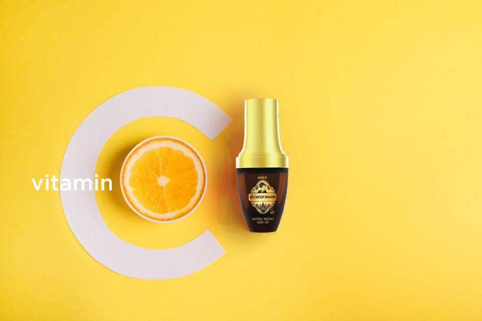 Hoạt chất vitamin C có tỷ lệ kích ứng thấp và thời gian để da hấp thụ chỉ mất 1-5 giây.